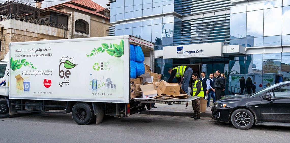 ProgressSoft、300kg以上の紙くずをリサイクル